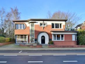 """Unieke villa in """"Art Deco"""" stijl gelegen in het centrum van Essen met o.a. 2 livings en 5 slaapkamers op een perceel van ca. 1.188 m2. De villa verkee"""