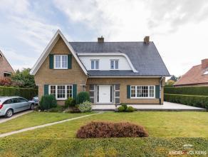 Deze villa is met haar sublieme ligging en goede oriëntatie een droom voor elk gezin. Zeer goede verbindingen naar het station van Gent en Dronge