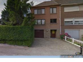 GROOT-BIJGAARDEN: (Réf.509) In een kalme straat, mooi 3-gevel woning van 160m² met tuin te koop. Er zijn 3 slaapkamers, bureau, garage + p