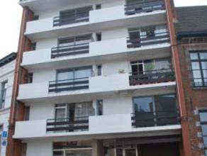 Bel appartement situé au centre de Mons, proche de la gare et de toutes les facilités (bus, écoles et commerces). Composé