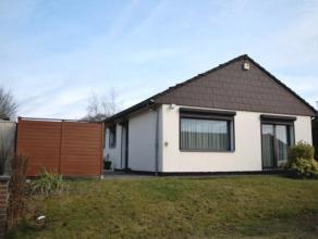 Belle maison de plain-pied idéalement située dans un quartier résidentiel, proche de toutes les facilités (écoles,