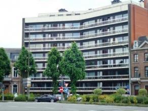 """Place de Flandre 10/5A à 7000 MONS.Appartement situé au 5è étage de la Résidence """"Le Byzance"""", composé de:ha"""