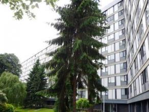 """Grand Route, 22 à Mons. Appartement situé au 9ème étage de la Résidence """"Domaine des Comtes de Hainaut"""" et compos&e"""