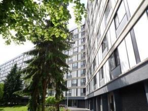 Domaine des Comtes du Hainaut. Appartement proche des commerces et des grands axes routiers, situé au deuxième étage de la R&eacu