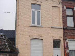 Rue du Trieu, 28 à Mons. Agréable maison unifamiliale composée d'un salon, une salle à manger, une cuisine semi-équ