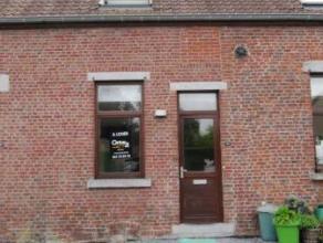 Chaussée de Binche, 185 à Mons. Petite maison située à proximité des FUCAM et des commerces, composée d'un s