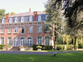 Très belle demeure avec dépendances au coeur d'un parc de 1,2 ha A côté du Shape, à +/- 4 km de l' autoroute Paris -
