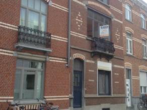 Deze woning in hartje Leuven is te renoveren maar beschikt over zeer veel potentieel. Leuke stadstuin, veel authentieke elementen, ... Mits verbouwing