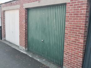 In een garagecomplex achter het gebouw Gallo Romeinenlaan 6 kan u deze garagebox nummer 8 terugvinden (5,30x2,90). Het is gelegen in een rustige buurt