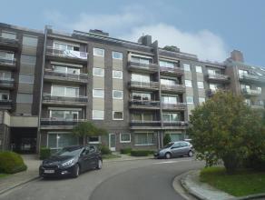 VLINDERSSTRAAT 5/10:<br /> Ruim appartement van ca. 105m² op de 4de verdieping met 3 slaapkamers, ondergrondse (ruime!) garage en kelder.<br /> <