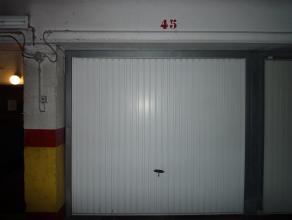 """SINT-KATARINAPLEIN 7 """"Residentie De Langeman"""":<br /> Ondergrondse garagebox nr 45. <br /> Ligging: Gelegen aan het Katarinaplein. De gratis buslijn H1"""