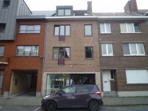 HARPSTRAAT 22/3:<br /> Centraal gelegen appartement met 2 slaapkamers gelegen op de 2de verdieping (geen lift!) in een klein appartementsgebouw.<br />