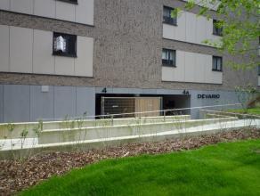 SPORTSTRAAT 4/02:<br /> Nieuwbouw appartement op het gelijkvloers met 1 slaapkamer, ruim terras, tuin en ondergrondse autostandplaats.<br /> <br /> In