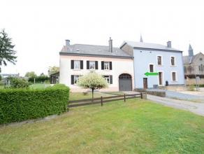 Fouches, située au centre du village, charmante fermette 3 façades composée comme suit: niv 0: hall d'entrée, salon, salle