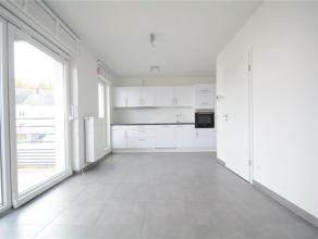 Arlon, très bel appartement neuf composé comme suit: hall d'entrée, séjour avec belle cuisine contemporaine, terrasse, cha