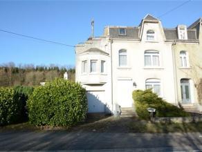 Arlon Frassem, spacieuse maison d'habitation 3 façades composée comme suit: niv 0: hall d'entrée, salon, salle à manger, c