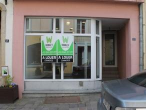 Très belle surface commerciale de +/- 100 m² situé rue du Marché aux Beurre. Local en très bon état avec de be