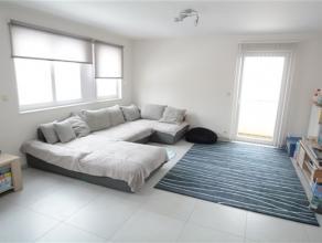 Arlon, spacieux appartement de 110 m² composé comme suit: hall d'entrée, vaste séjour , cuisine équipée ( sans
