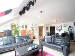 Arlon, situé au 6ème étage de la résidence Wallerand, en plein centre ville, bel appartement de 90 m² composé