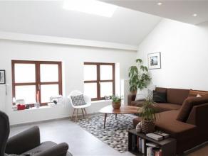 Arlon centre, splendide appartement composé comme suit: hall d'entrée, séjour lumineux, cuisine contemporaine entièrement