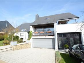 Sterpenich, maison de style composée comme suit: niveau -1: double garage, caves et atelier avec wc, Niveau 0: hall d'entrée, cuisine &e