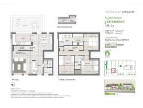 Dans une résidence de 5 unités, située dans une rue calme et en retrait de la route , splendide appartement duplex de 148 m²