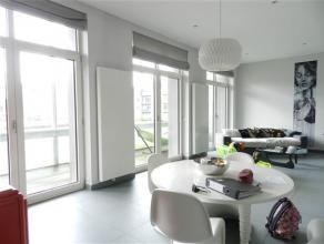 Splendide appartement de standing de 158 m² composé comme suit: hall d'entrée avec dressing, vaste séjour lumineux avec gran