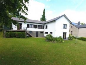 Arlon - Waltzing, située dans un quartier calme et prisé, belle maison de plain pied composée comme suit: niveau 0: hall d'entr&e
