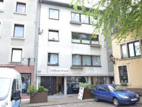 Arlon, agréable appartement de 85 m² composé comme suit: hall d'entrée, séjour, cuisine équipée, buande