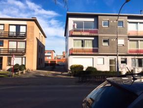 Recentelijk opgefrist appartement in Brasschaat. Een ruime living met een gezellig klein terrasje aan de straatkant. 2 slaapkamers, waarvan 1 met toeg