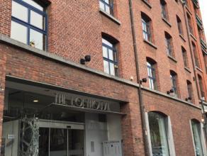 Middelgrote kantoorruimte, ideaal voor startende bedrijven of kleine KMO.<br /> Gesitueerd in een van de eerste pakhuizen die in de omgeving van het E