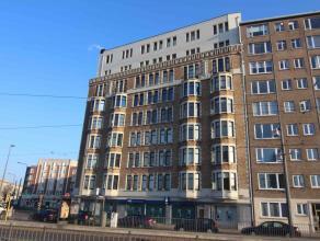 Gelegen op de 7e verdieping van een statig gebouw met een prachtig uitzicht (tot Brussel op een mooie dag)<br /> Volledig ingerichte en bemeubelde stu