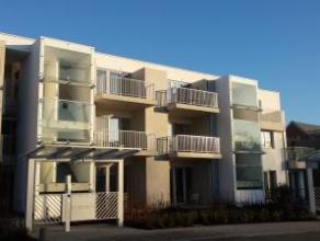 Magnifiek, instapklaar nieuwbouwappartement - 2de verdieping Gelegen in nieuwe, groene, innovatieve woonwijk nabij het centrum! Zuid-West georiën