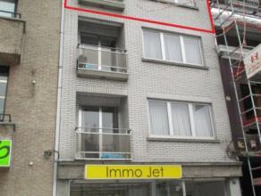 Knus appartement op de Grote Markt Prachtige centrale ligging! Gelegen op de derde verdieping - lift voorzien in het gebouw! Indeling als volgt: Inkom