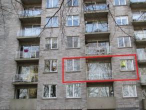 Centraal gelegen appartement met groene omgeving! Zéér rustig gelegen in doodlopende straat op slechts 1 minuut wandelen van de Grote Ma