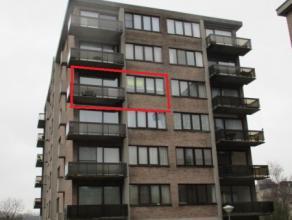 Ruim, mooi onderhouden appartement Gelegen op de vierde verdieping met zéér rustige ligging aan doodlopende straat. Het centrum van Beve