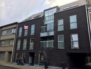 Leuke studio/appartement met alle hedendaags comfort en voorzien van een terras te huur in Lier. Het appartement bevat: gezellige leefruimte met open