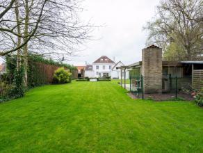 Deze instapklare villa met zwembad is gelegen op een perceel van 1500 m² waarvan 600 m² bewoonbare oppervlakte en werd in 2010 grondig geren