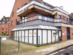 Nabij de Brugse binnenstad resideert dit in te richten handelspand van 70 m² langs een drukke invalsweg. Het eigendom is ingedeeld is een winkelr