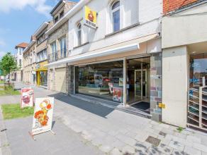 Op uiterst centrale ligging tref je dit uitstekend gelegenhandelspand ( bakkerij + appartement ) aan, op de centrale toegangsweg tussen Nieuwpoort ( K