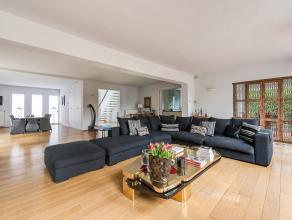 Prachtige villa gelegen in de residentiële wijk 'Elsdonk' op de grens Wilrijk - Edegem. Deze locatie laat zich onderscheiden door zijn uiterst ru