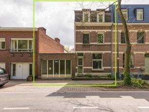 Zeer gunstig gelegen te renoveren woning (grondopp. ca 320m² - bew. opp. ca 210m²). Na de nodige renovatie, waardoor de woning helemaal volg