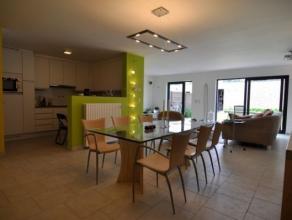 Ruim modern gelijkvloers appartement met alle comfort, rustig gelegen op wandelafstand van het Ziekenhuis en rusthuis de Wending, t centrum, station e