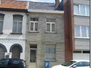 Maison DE +/- 100m² à vendre composée comme suit : au RDC 3 pièces enfilade : salon +/- 28m², cuisine +/- 8m², W.C