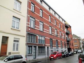 Quartier Tour&Taxi - Magnifique Loft de +/- 96m² avec terrasse ensoleillée - Il se compose d'un hall d'entrée - Spacieux et lum