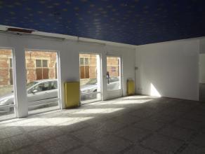 Halles Saint-Géry - Rez Commercial de +/- 70m² - Grand Plateau de +/- 60m² et réserve de +/- 10m². Idéalement situ