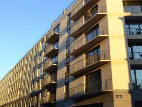 Quartier Cirque Royal -  Dans un immeuble de standing de 2013, lumineux appartement de +/- 80m² composé comme suit; spacieux et lumineux l