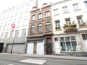 SOUS OPTION - Yser - De Brouckère - Beau rez-de-chaussée commercial de +/- 80m² - Il se compose comme suit: 1 entrée individ