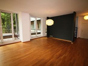 Grand place - Au coeur du centre ville  - Dans un petit immeuble de 2006 - Magnifique appartement de +/- 125m².- Il se compose d'un hall d'entr&e