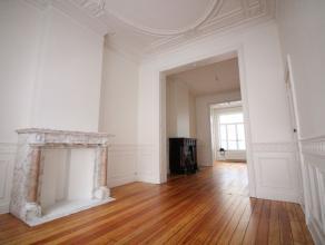 Quartier Ambiorix - Bel appartement lumineux en duplex de +/- 120m² - Très spacieux et lumineux living de +/- 45m²  avec parquet au s
